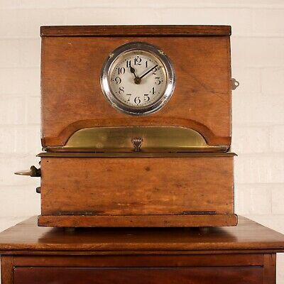 Vintage Oak Cased Industrial Mechanical Clocking-In Clock 3