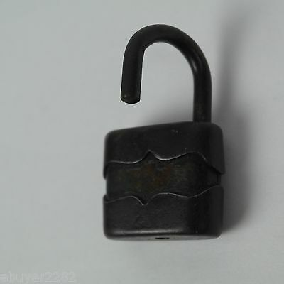Small Antique Metal Padlock - NO key - Barn Farm Primitive Hardware 3