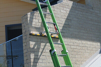 The Lacket Ladder Bracket with Stabiliser Bar - Fits Most Ladders,Quick,Secure 4