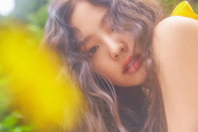 BLACKPINK JENNIE [SOLO] PHOTOBOOK CD+POSTER+Photo Book+Post Card+Card SEALED 6