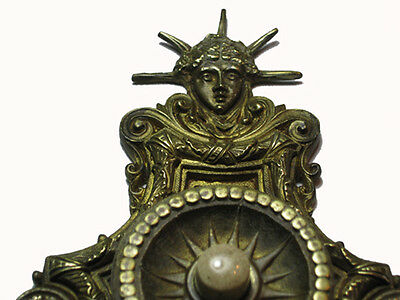 STUNNING William Tonks & Sons bronze door push bell liberty head