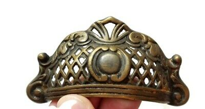4 engraved shell shape pulls handles heavy solid brass old style drawer 10 cm B 2