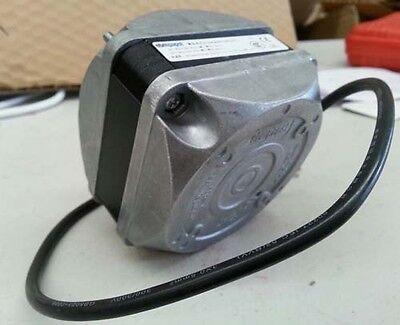 Top quality Heavy Duty EBM PAPST 5 WattUniversal condenser fan Motor 4