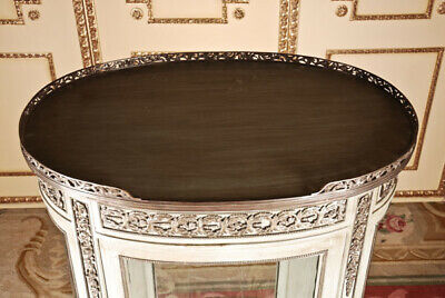 French Salon Cabinet in Louis Seize Style / Classicism 4