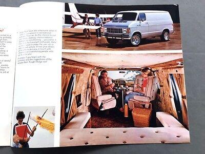 1982 DODGE RAM Cargo Van Original Canada Sales Brochure Catalog B150 B250