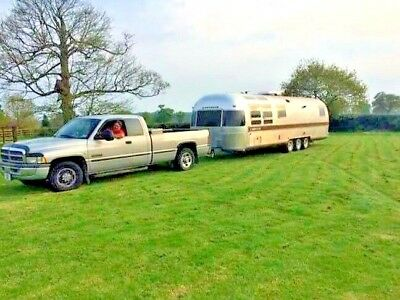 5th Fifth  wheel RV, caravan, boat & trailer towing service. Local, UK, Europe 5