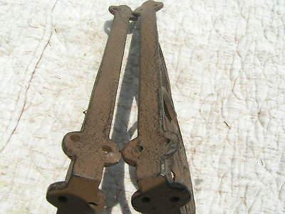 Two Cast Iron Shelf Brackets 6