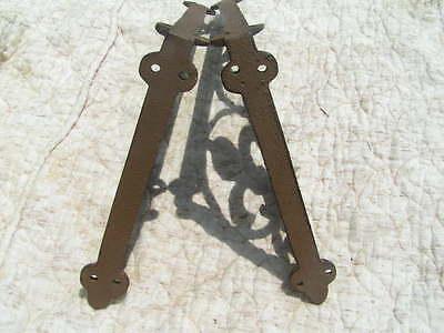 Two Cast Iron Shelf Brackets 5