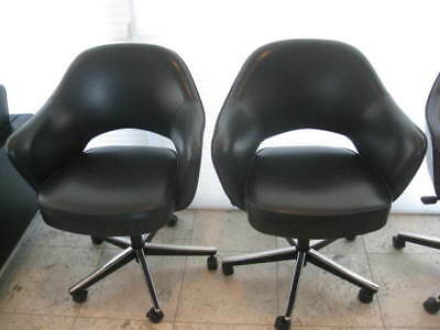 Wondrous Knoll 4 Saarinen Executive Swivel Arm Chairs With Black Caraccident5 Cool Chair Designs And Ideas Caraccident5Info