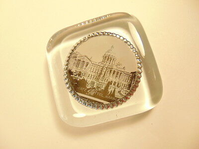 vintage glass paperweight showing PA's State Capitol, Harrisburg 6
