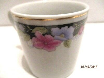Set 5 Chinese Porcelain Demitasse Blue Pink Floral Cups and Saucers 3