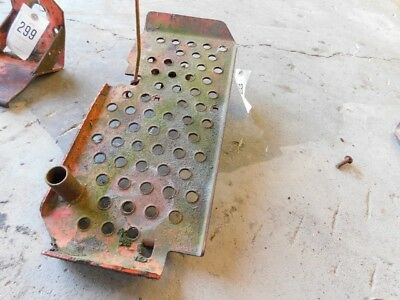 Allis Chalmers D19 diesel tractor right step plate Part #70235434 Tag #368 4