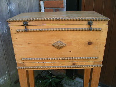 Small decorative pine craft chest or box sewing knitting needlework tapestry 2