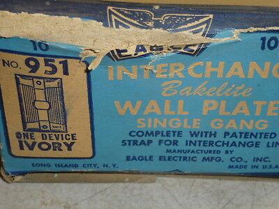 Nos 2 Eagle Interchange Single Gang Ivory Ribbed Bakelite Wall Plate, Horizontal 3