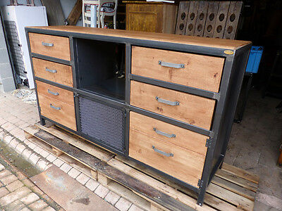 fabrication meuble industriel bois m tal buffet industriel m tal et ch ne eur. Black Bedroom Furniture Sets. Home Design Ideas