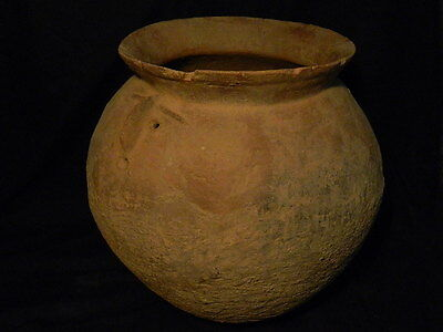Ancient Huge Size Teracotta Anthropomorphic Funerary Pot Indus Valley 1500 BC 3