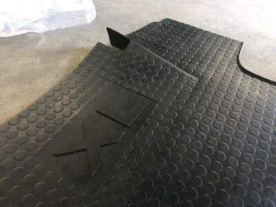 Schonmatte Fußmatte Gummimatte Case Maxxum 110 115 120 125 130 140 CVX CVT EP MC