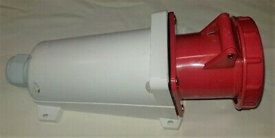 63 amp socket wall mount 5 pin 380/415 volt IP67 3 phase neutral and earth 2