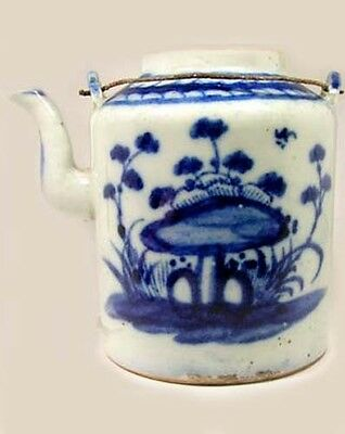 Lg Antique 19thC China Blue + White Ming Style Porcelain Teapot Botanical Motif 3