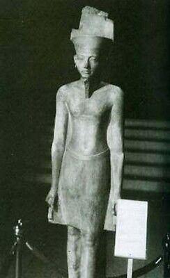 Monarchs of the Nile Pharaohs 3000-300 B.C. Tuthmosis Geneology Royal Cemeteries 3