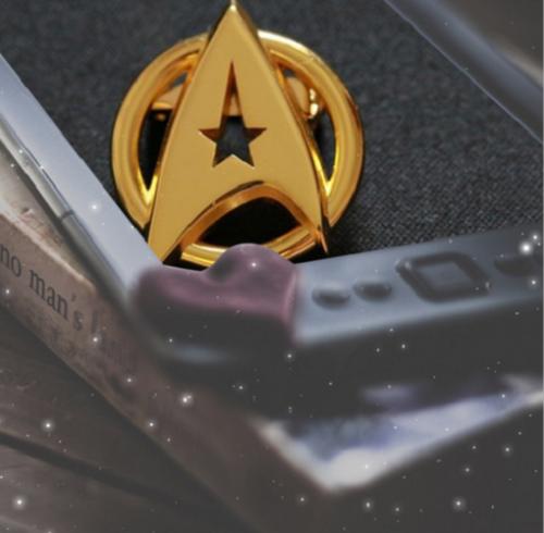 US! Star Trek Gold Plated Starfleet Communicator Brooch Badge Lapel Pin Fan Gift 7