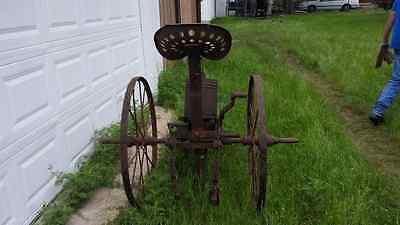 Vintage one row antique horse drawn planter seeder farm implement equipment 2