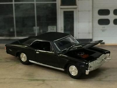 1967 67 Chevrolet Chevelle SS V-8 Super Sport 1/64 Scale Limited Edition Z6 4