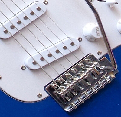 E-Gitarre MSA ST5 dunkelblau, Massivholzkörper, Top Auswahl,mit Anschlußkabel