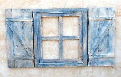 ventana de madera con postigos o contraventanas,azul decapada, vintage 2