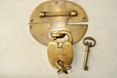 """large heavy HASP & STAPLE Padlock and KEY included WORKS 5"""" OVAL catch latch B 7"""