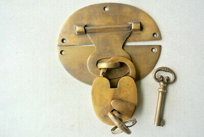 """large heavy HASP & STAPLE Padlock and KEY included WORKS 5"""" OVAL catch latch B 8"""