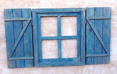 ventana de madera con postigos o contraventanas cruz, azulina, vintage 2