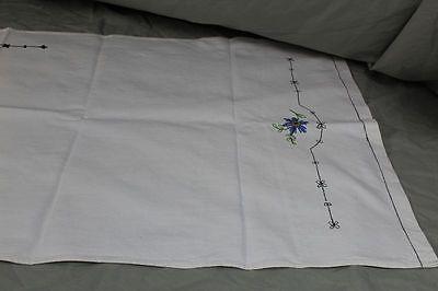 2 Tischläufer - Baumwolle mit gesticktem Blumen + Landhaus Muster   /S193 5