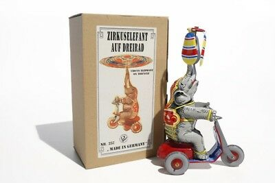 Blechspielzeug Elefant auf Dreirad BRD  3540257