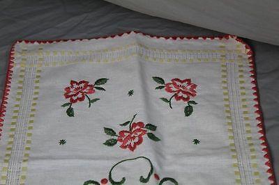 2 Tischläufer - Baumwolle mit gesticktem Blumen + Landhaus Muster   /S193 3