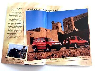1998 Chevrolet Tracker 26-page Geo Truck Original Dealer Sales Brochure