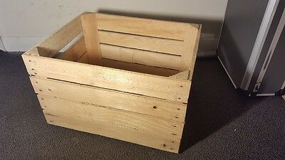 Light Natural Vintage Wooden Apple Fruit Crate Rustic Old Bushel Box Hamper. 4