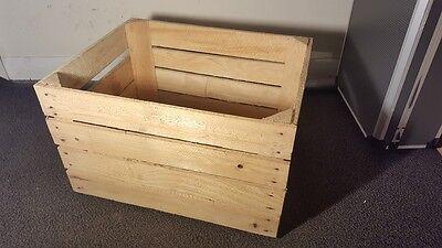 Light Natural Vintage Wooden Apple Fruit Crate Rustic Old Bushel Box Hamper. 4