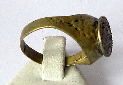AMAZING BRASS RING FROM THE EARLY 20 th c.WITH ENGRAVING ON THE TOP # 85A 4 • CAD $25.15