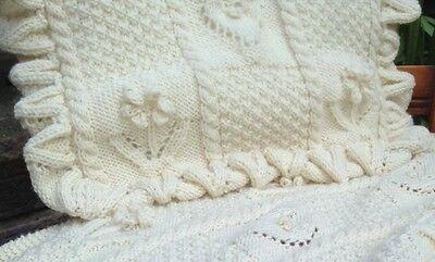 Baby Pram//Crib Blanket with Leaf edge Knitting Pattern in DK 992