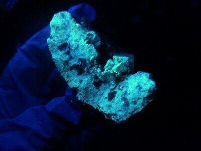 "Minerales "" Fabulosos Cristales Fluorescentes De Tarnowitzita Marruecos- 3B19 "" 5"