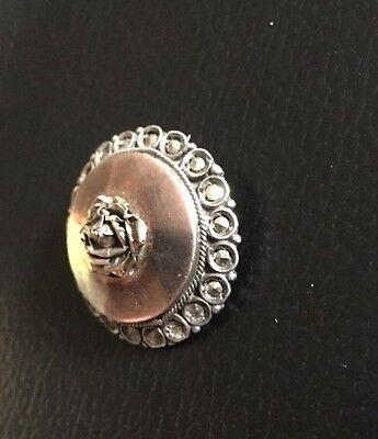 antike Brosche aus Silber mit goldfarbener Rosenblüte
