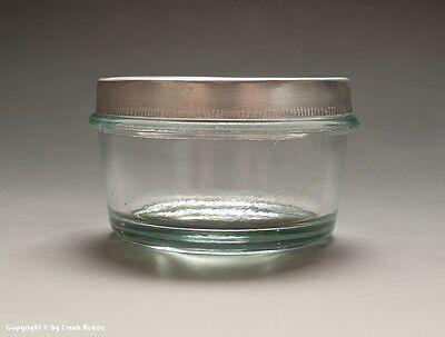 15 x kleine Gläser aus Apotheke für Cremes und Salben + Deckel um 1955