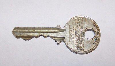Vintage Yale Padlock Key 24B128 24B-128 Lock 2