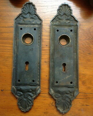 Antique Sargent Hardware Co. doorknob set and back plates circa 1850 cast iron