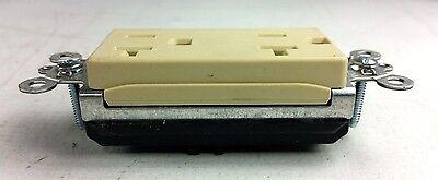 BOX OF 10 .. NIB PASS /& SEYMOUR PT26352-W PLUGTAIL RECEPTACLE .
