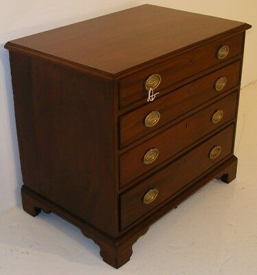 Good Quality Antique 19Th Century Mahogany Chest Of Drawers 3