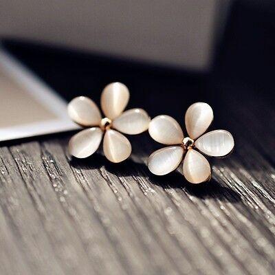 Fashion Elegant Women Silver Plated Flower Crystal Rhinestone Ear Stud Earrings 2