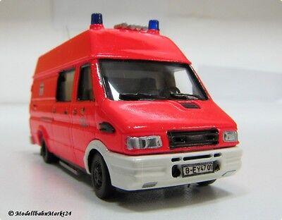 Busch Feuerwehr Berlin Iveco Daily Kastenwagen tagesleuchtrot 8237