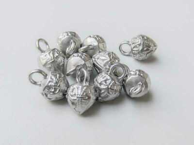 f007si-9mm 6 mittelalterliche kleine silberne Metallknöpfe mit Lilienmotiv
